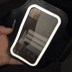 Arm band smartphone holder